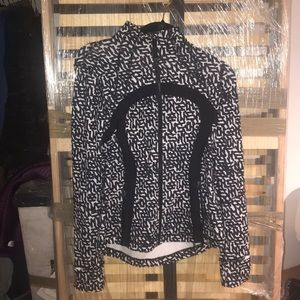 Lululemon black and white jacket